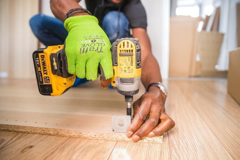 Benefits of Hiring a Handyman for Residential Home Repairs