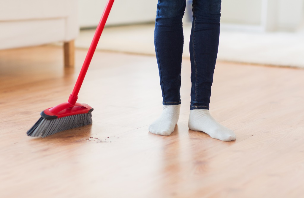 How to Thoroughly Clean Your Home: Top Tips