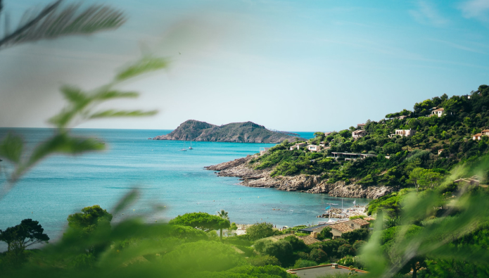 Glamour, glamour - luxury real estate agency opens new office in Saint Tropez