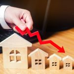 Price of property falls slightly in January