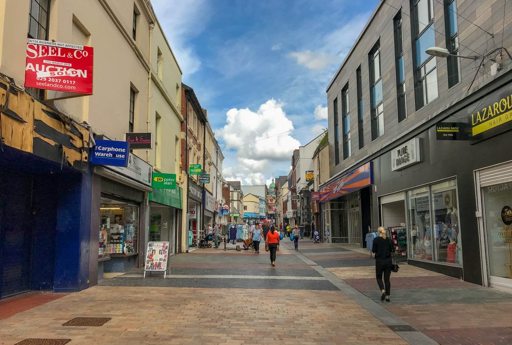 Homebuyers divided on whether Estate Agents need a high street presence