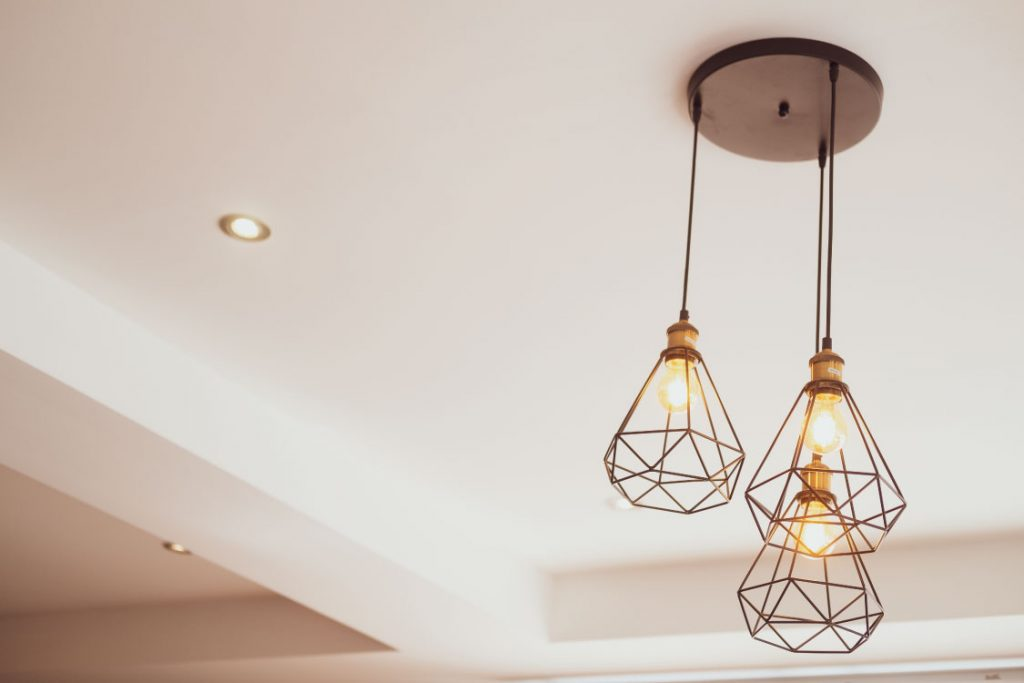 uk-home-improvement-4-of-the-Best-Ways-to-Decorate-Properties-with-High-Ceilings